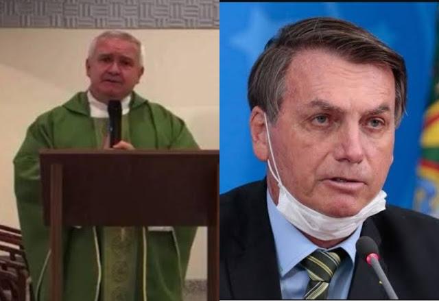 """Durante homilia, padre chama Bolsonaro de """"bandido"""" e manda fiéis se confessarem"""