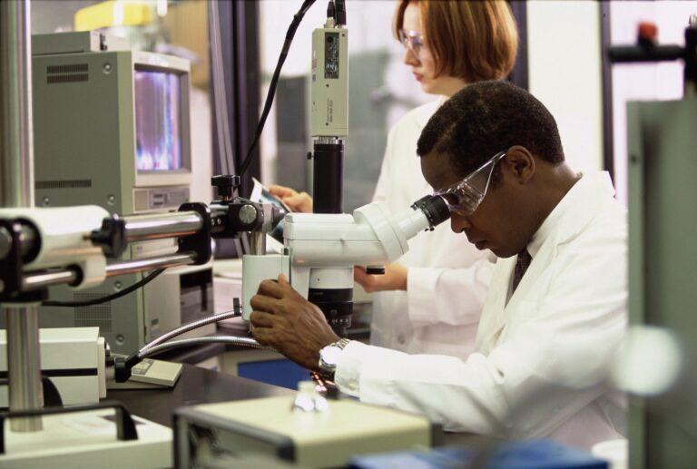 Coronavírus: Brasil registra 1.550.176 casos confirmados e 63.409 óbitos