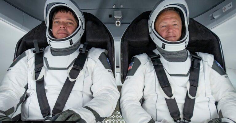 ACOMPANHE AO VIVO: Astronautas da NASA retornam à terra a bordo da 'Crew Dragon' da SpaceX