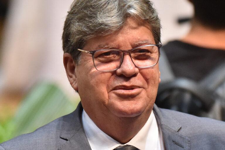 Datavox: João Azevêdo lidera as intenções de voto para 2022 e venceria no 1º turno