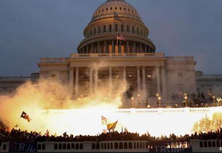 FBI alerta sobre protestos armados em 50 capitais antes da posse de Biden