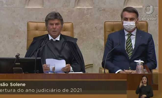Ao lado de Bolsonaro, Fux critica negacionismo na pandemia de Covid-19