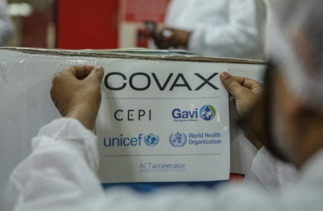 Mais de 1 milhão de doses de vacina da Covax Facility chegam ao Brasil neste domingo