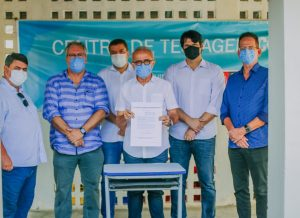 Cícero Lucena assina termo de intenção para adquirir vacinas contra Covid-19 para João Pessoa