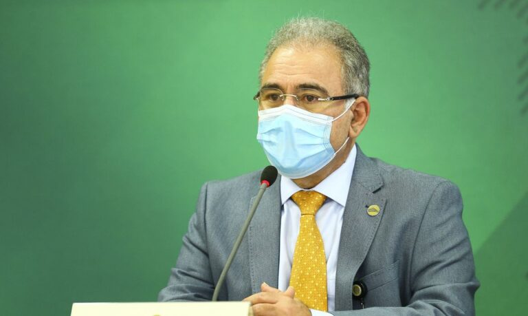 Governo anuncia programa de testagem da população para covid-19