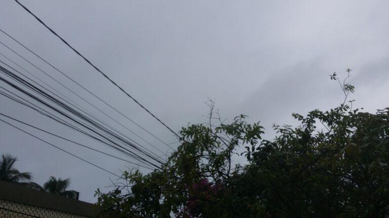 Em apenas 24 horas choveu 36,7% do esperado para o mês de maio na capital, segundo dados da Aesa