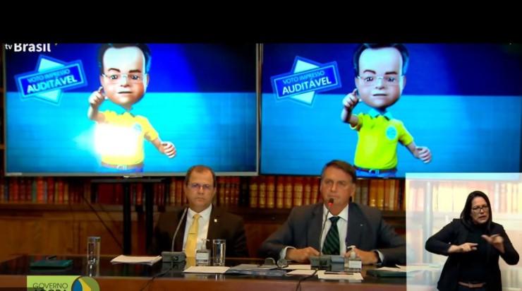 Senadores classificam live de Bolsonaro sobre urna eletrônica como ataque à democracia