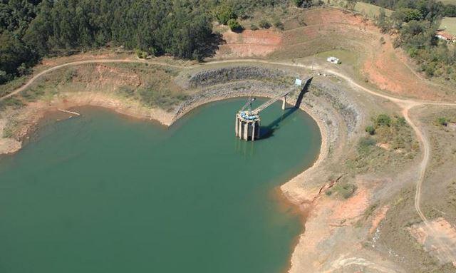 Seca prejudica abastecimento de água e geração de energia no Rio e SP, Sistema Cantareira em alerta