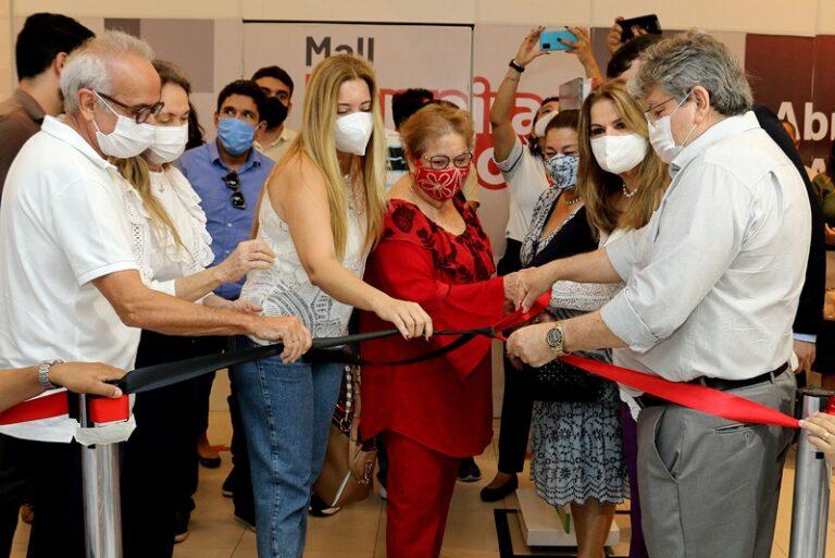 Governador João Azevêdo participa de inauguração da loja do Artesanato Paraibano na Ferreira Costa em João Pessoa